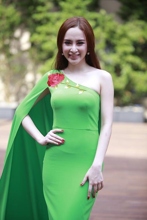 """angela phuong trinh noi bat nho mot """"nu hoang"""" - 8"""