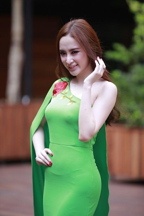 """angela phuong trinh noi bat nho mot """"nu hoang"""" - 11"""