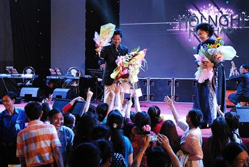 che linh quy tren san khau ky tang fan o tien giang - 2