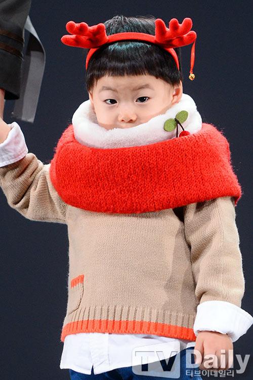 sao truyen thuyet jumong khoe cap sinh ba dang yeu - 8