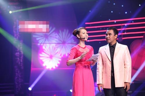 hoa hau huong giang lan dau dan con gai di su kien - 13