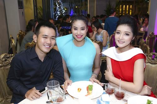 """hh trieu thi ha goi cam hau scandal 'tra vuong mien"""" - 11"""