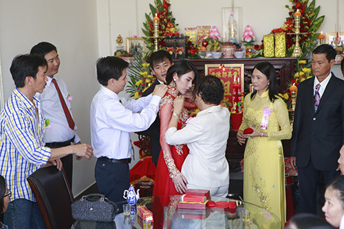 thuy tien - cong vinh hanh phuc trao nhan cuoi - 31