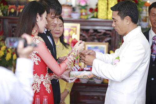 thuy tien - cong vinh hanh phuc trao nhan cuoi - 34