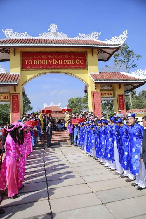 thuy tien - cong vinh hanh phuc trao nhan cuoi - 15