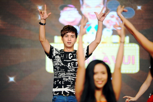 ha anh khoe eo boc lua, huong giang idol nhay cuc sung - 19