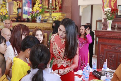 thuy tien - cong vinh hanh phuc trao nhan cuoi - 1