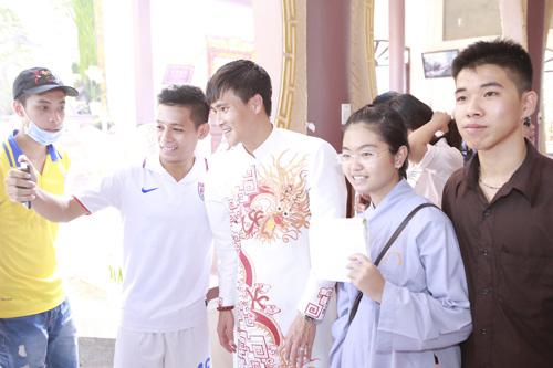 thuy tien - cong vinh hanh phuc trao nhan cuoi - 2
