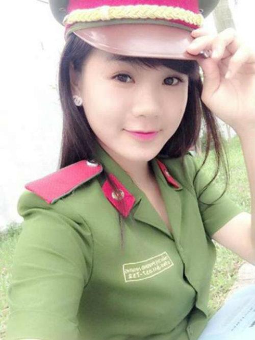 nhung nu sinh canh sat lam chao dao cong dong mang 2014 - 3