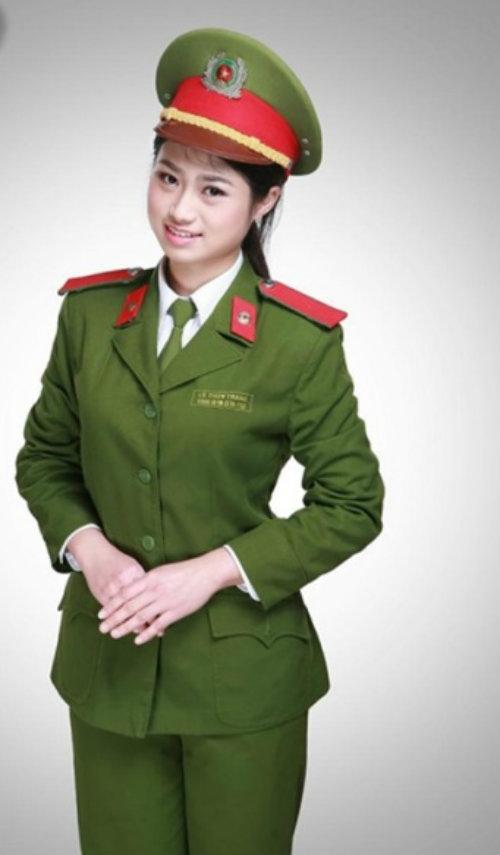 nhung nu sinh canh sat lam chao dao cong dong mang 2014 - 12