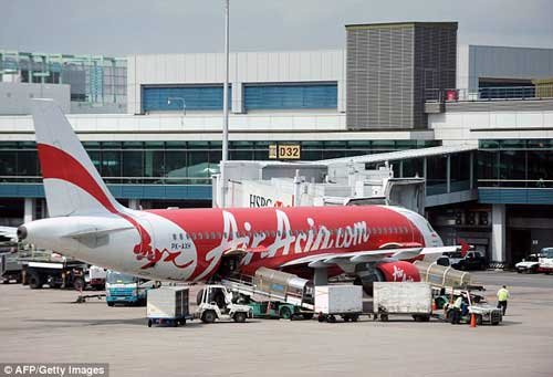 indonesia: nhieu kha nang may bay airasia da gap nan - 11