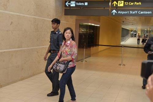 chum anh: than nhan hanh khach qz8501 khoc nac ngong tin - 7