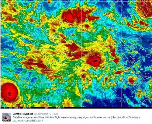 chum anh: than nhan hanh khach qz8501 khoc nac ngong tin - 15