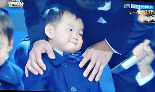 "cap sinh ba nha ""ju-mong"" nao loan le trao giai - 4"