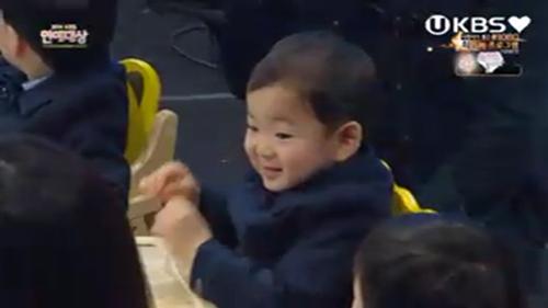 "cap sinh ba nha ""ju-mong"" nao loan le trao giai - 10"