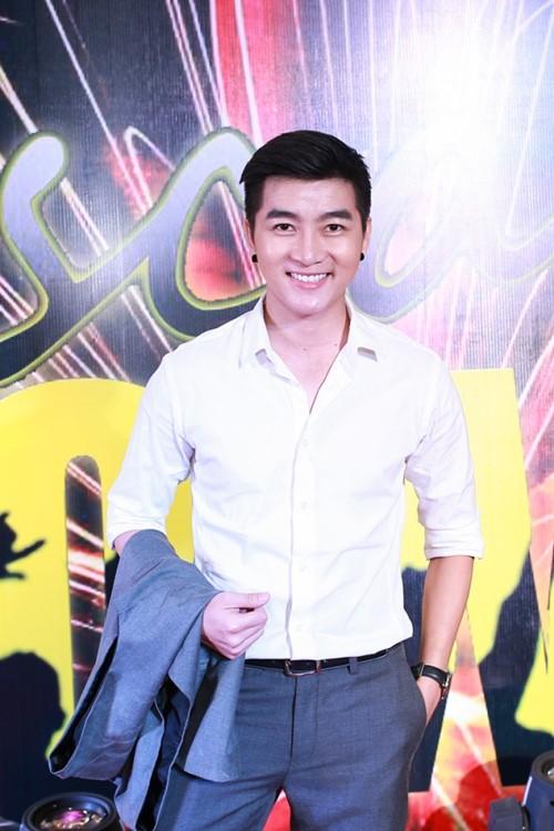 huong giang idol ngai ngung khi duoc ban trai viet kieu hon - 11