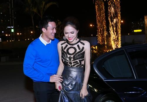 huong giang idol ngai ngung khi duoc ban trai viet kieu hon - 3