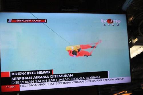 indonesia dinh chinh moi vot duoc 3 thi the nan nhan qz8501 - 13