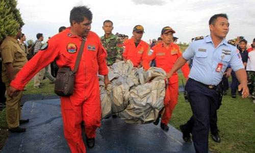 indonesia dinh chinh moi vot duoc 3 thi the nan nhan qz8501 - 3