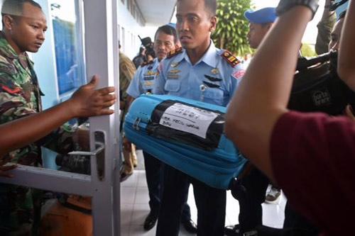 indonesia dinh chinh moi vot duoc 3 thi the nan nhan qz8501 - 4