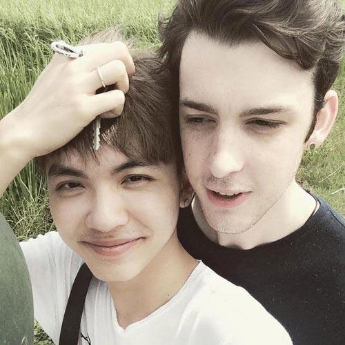 chuyen tinh cap dong tinh viet - my gay sot - 6