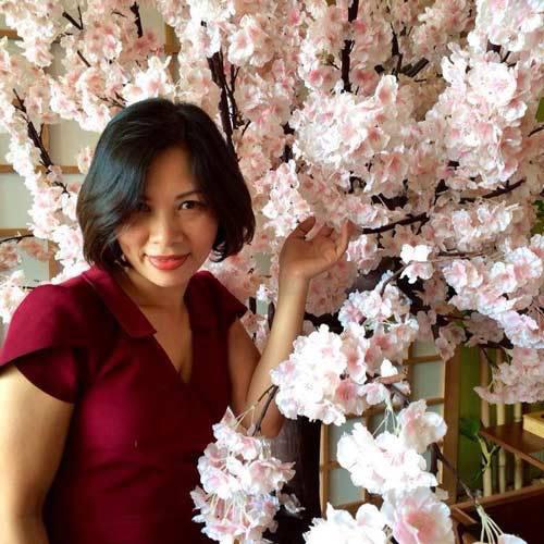 2014 - chi em me dam nhung vuon hoa ruc sac - 5