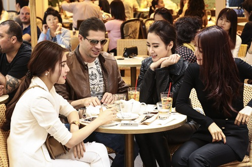 angela phuong trinh sang chanh doi lap diem my 9x - 10