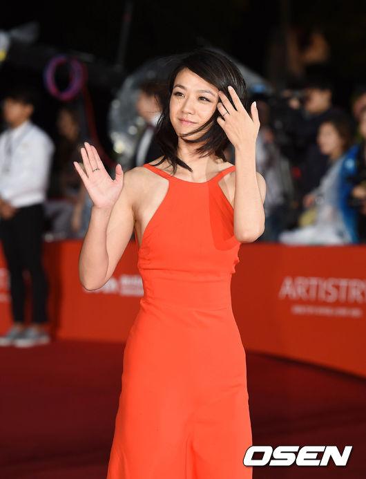 """hoang hau ki"" ha ji won tao bao voi vay xe tai lhp busan - 6"