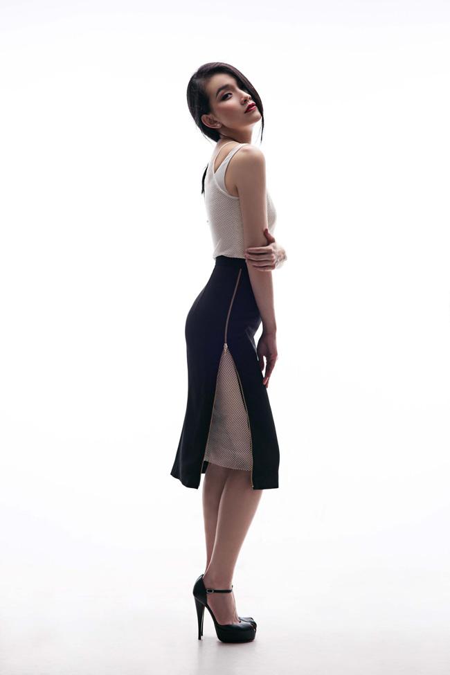 Thùy Lâm hiện tại đang có mặt tại Nha Trang để chuẩn bị cho đêm chung kết cuộc thi Hoa hậu Hoàn Vũ Việt Nam lần thứ 2 diễn ra vào ngày mai (3/10). Cô đăng quang cuộc thi Hoa hậu Hoàn Vũ Việt Nam 2008, sau 7 năm cuộc thi mới chính thức được quay trở lại.