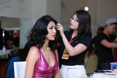 scandal bua vay, pham huong van dang quang hhhvvn 2015 - 16