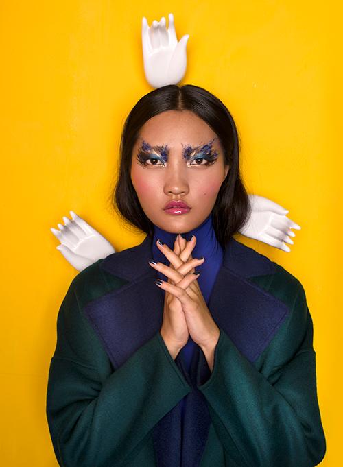 Chìm đắm trong không gian đa chiều của nghệ thuật thời trang-1