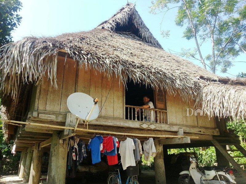 Chiêm ngưỡng ngôi nhà sàn cổ bằng gỗ quý hiếm ở xứ Thanh-1