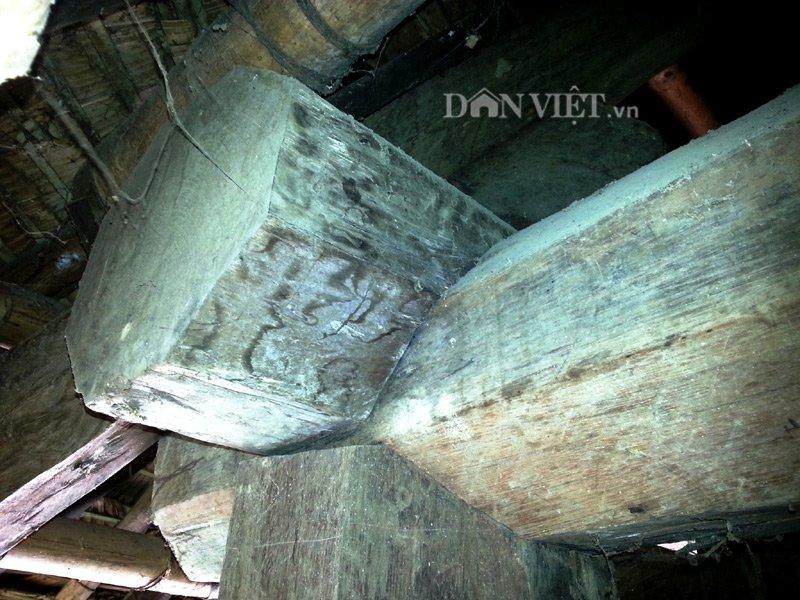 Chiêm ngưỡng ngôi nhà sàn cổ bằng gỗ quý hiếm ở xứ Thanh-9