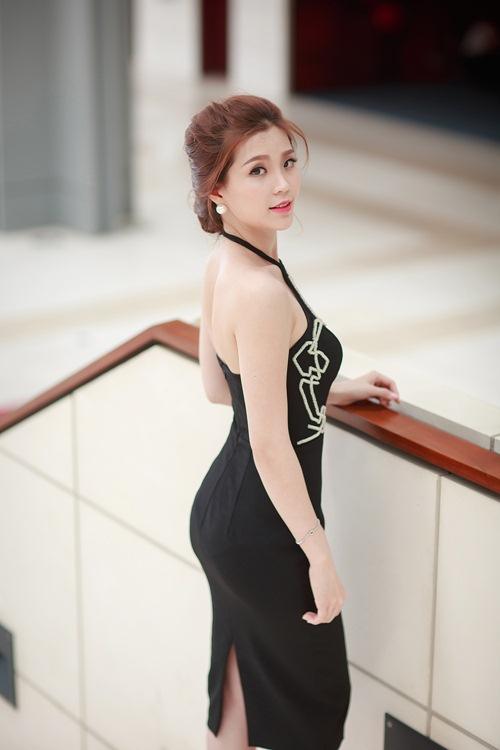 Á hậu Diễm Trang khoe đường cong gợi cảm tại Hà Nội-3