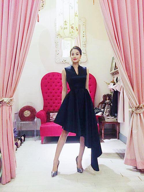 Hoa hậu Phạm Hương đẹp ngọt ngào giữa đời thường-9
