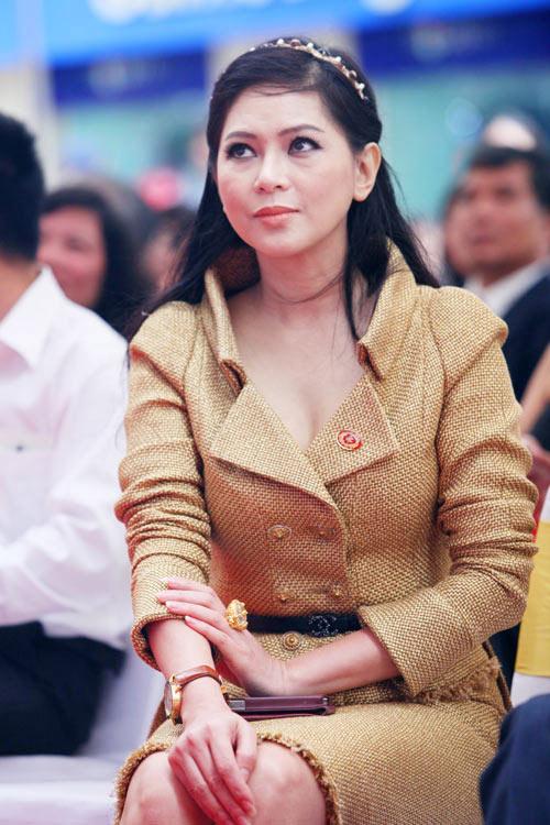 Mẹ chồng Tăng Thanh Hà lại vướng nhiều nhận xét trái chiều-3