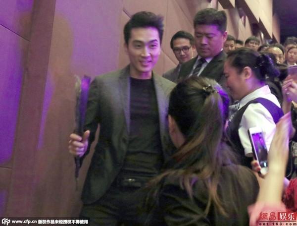 fan nu chan duong tang hoa hong song seung hun - 1