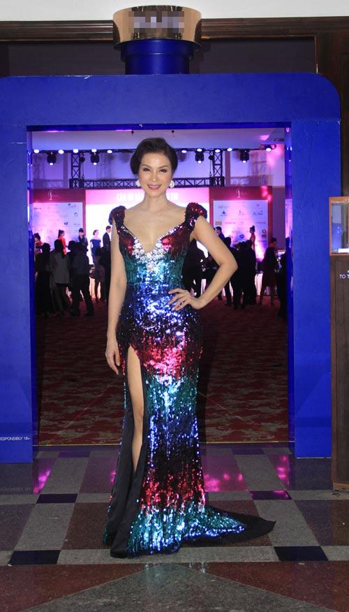 Phạm Hương rạng rỡ trong đêm tiệc mừng tân Hoa hậu-10
