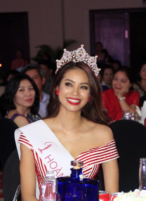 Phạm Hương rạng rỡ trong đêm tiệc mừng tân Hoa hậu-2