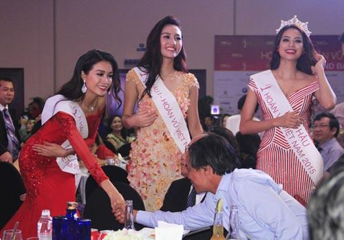 Phạm Hương rạng rỡ trong đêm tiệc mừng tân Hoa hậu-3