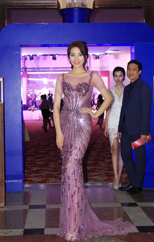 Phạm Hương rạng rỡ trong đêm tiệc mừng tân Hoa hậu-8