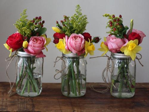 Tự làm bình cắm hoa cho phòng khách thêm xinh-16