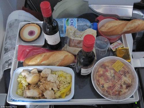 Bữa ăn của hãng hàng không nào ngon nhất Thế giới?-10