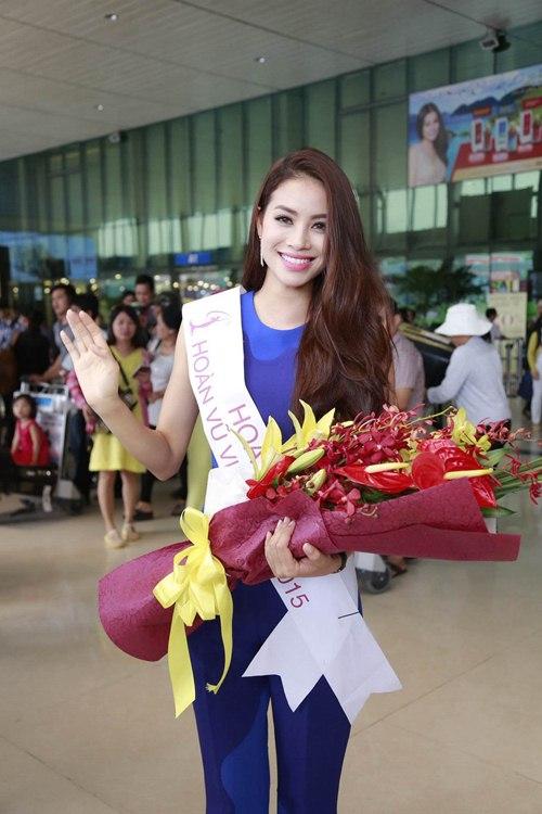 HH Phạm Hương gây tắc nghẽn sân bay Tân Sơn Nhất-13