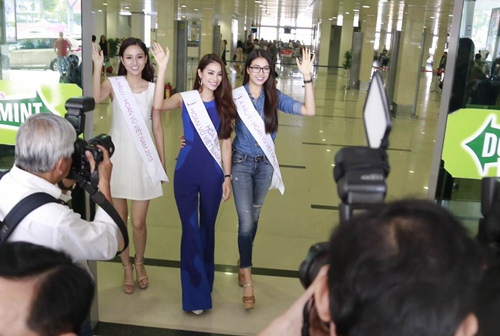 HH Phạm Hương gây tắc nghẽn sân bay Tân Sơn Nhất-3