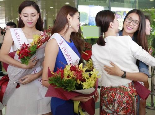 HH Phạm Hương gây tắc nghẽn sân bay Tân Sơn Nhất-6
