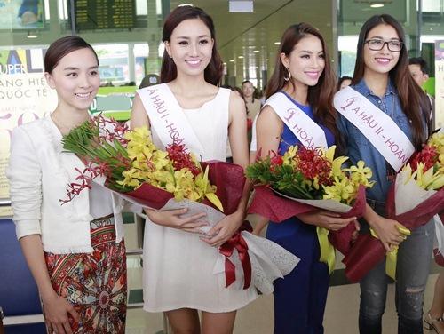 HH Phạm Hương gây tắc nghẽn sân bay Tân Sơn Nhất-9