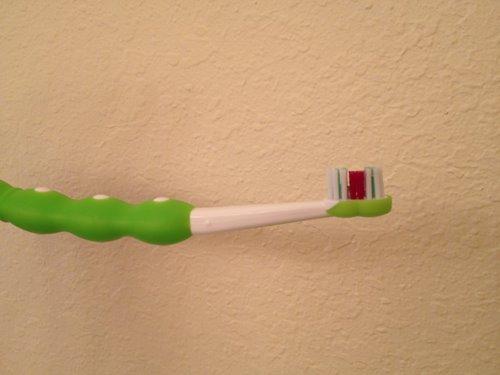 Trải nghiệm bộ bàn chải tập đánh răng MAM cho bé 7 tháng-4