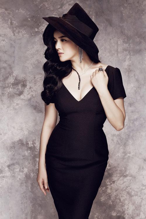"""Những chiếc đầm đen đẹp """"muốn xỉu"""" của mỹ nhân Việt-3"""