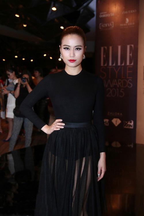 """Những chiếc đầm đen đẹp """"muốn xỉu"""" của mỹ nhân Việt-7"""